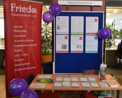 Infostand des FRIEDA-Beratungszentrums Alleinerziehende