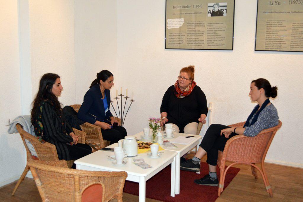 Kurdische Frauendelegation zu Besuch © FRIEDA