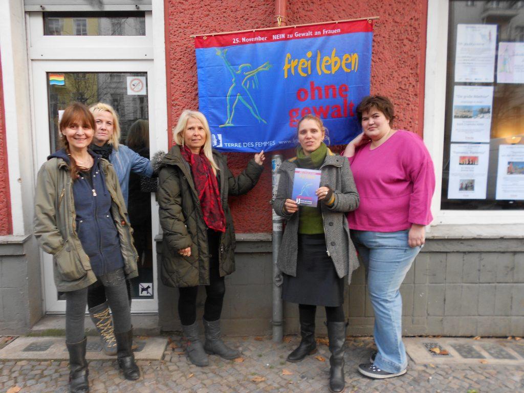 Fahnenhissung in 2012 © FRIEDA